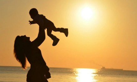 Tips for Traveling With Your Baby or Toddler Stress Free!