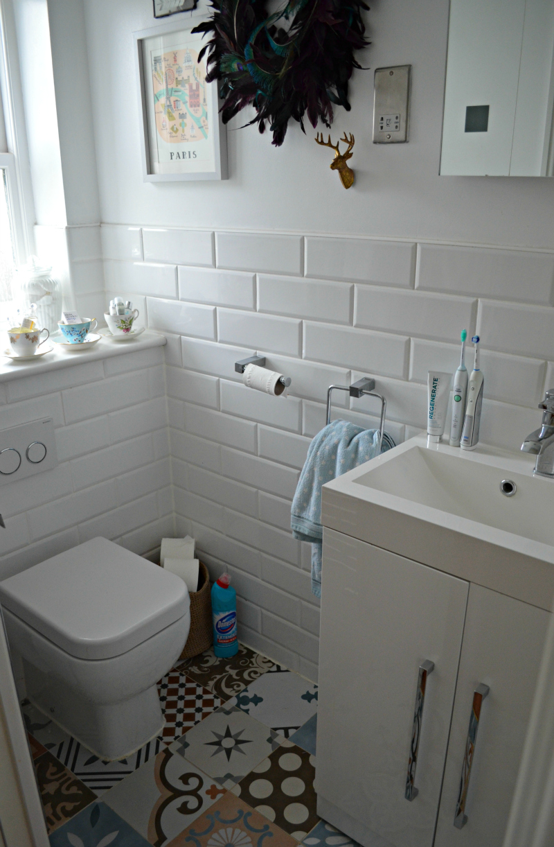 Cleaning tips for a bathroom guests coming