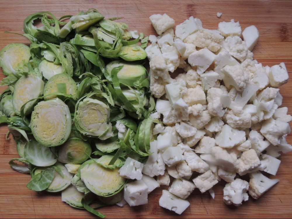 Sliced Brussels sprouts and cauliflower florets