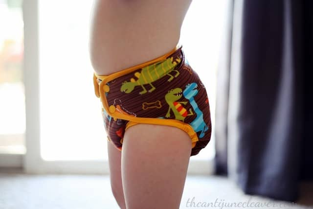 Wonderful Bambino fitted diaper review #clothdiapers