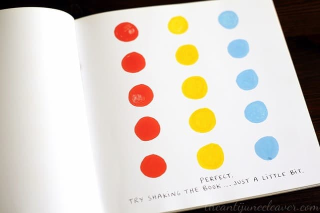 A Look in the Book: Press Here by Herve Tullet  #reading #books #children