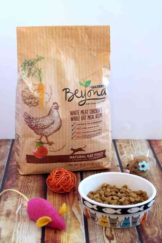 Feed your cats naturally with Purina Beyond - get a $5 coupon