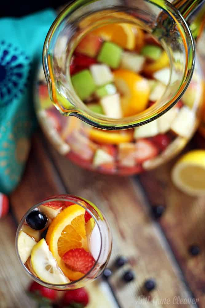 How to make a non-alcoholic Sangria mocktail (ad)