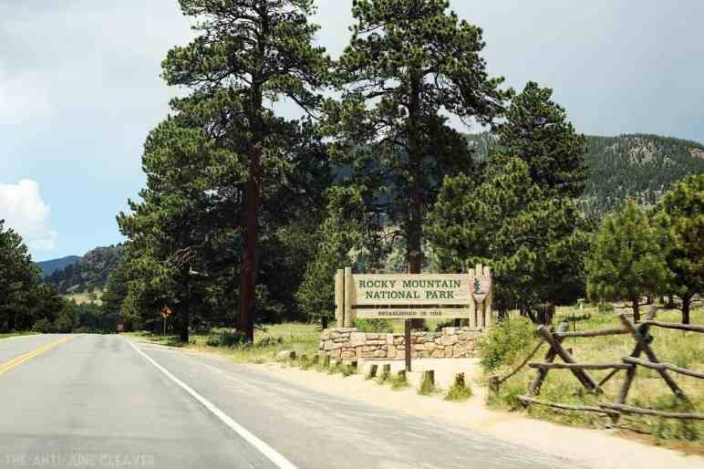 Our Favorite Road Trip Stops: Estes Park, Colorado & Rocky Mountain National Park #RoadTripOil AD