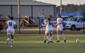 Women's soccer advances to semifinals