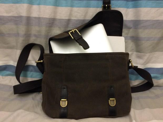 iPad Pro and Mac Air share the same bag