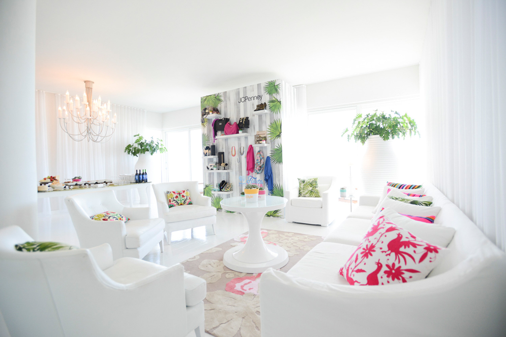 The JCPenney Glam Suite for iHeart Fiesta Latina