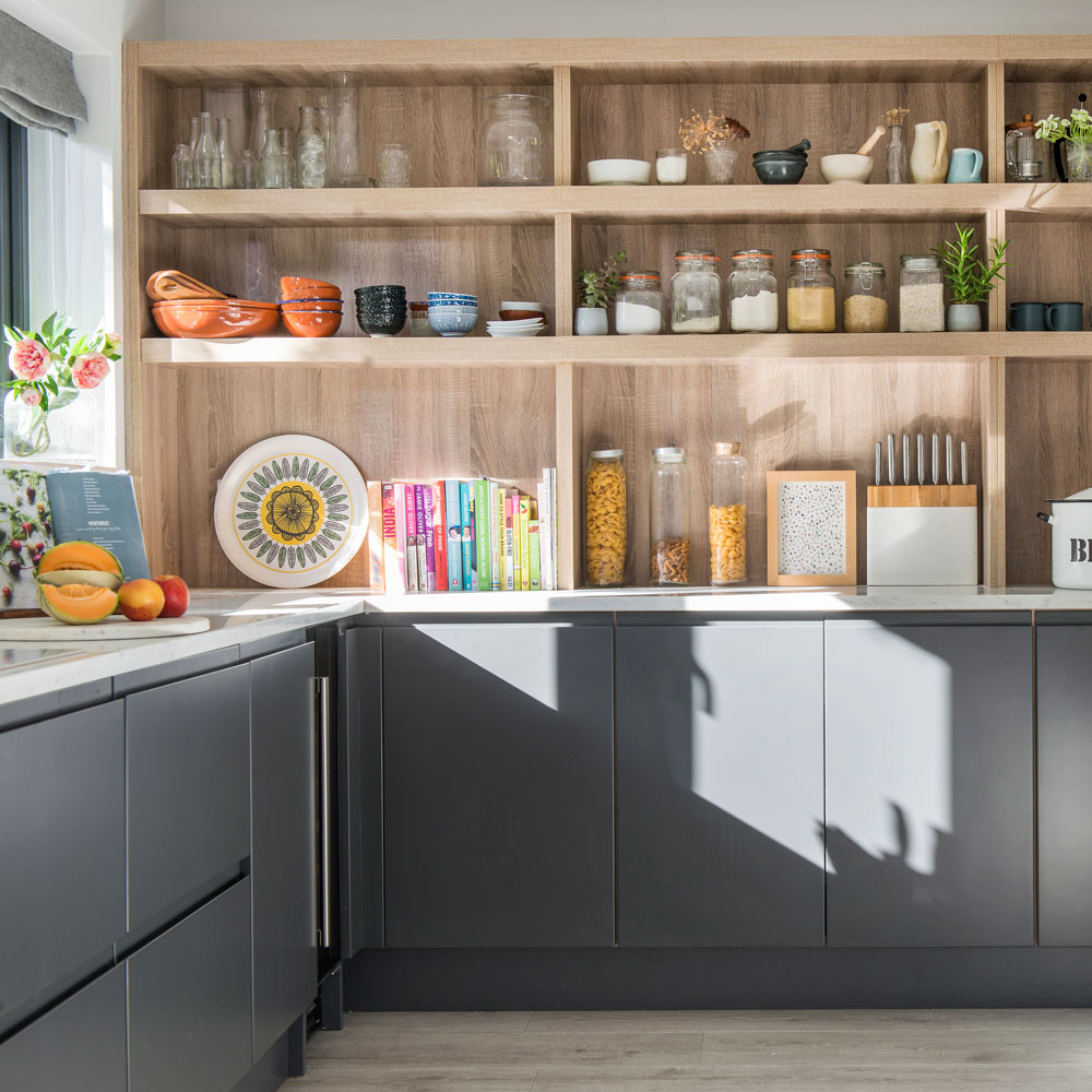 Best Open Shelving Ideas For The Kitchen To Accessorize It Well