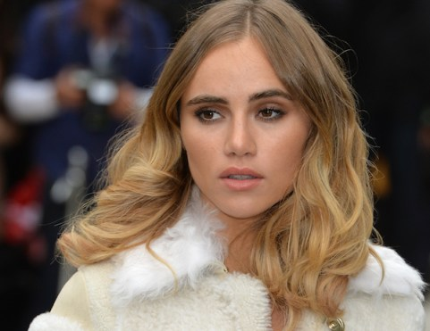 LONDON, ENGLAND - SEPTEMBER 21: Suki Waterhouse attends the Burberry Prorsum show during London Fashion Week Spring/Summer 2016/17 on September 21, 2015 in London, England. (Photo by Anthony Harvey/Getty Images)