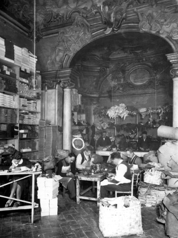 Salvatore Ferragamo workshop in Palazzo Spini Feroni