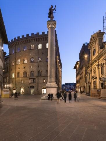 Piazza Santa Trinita, Florence