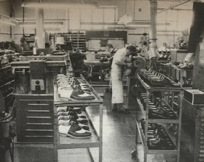 Ducal factory, Florence, 1930s. Credits: Ducal archive.