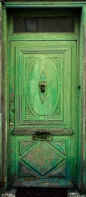 Jonzac - Green Door crop