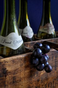 Bottles crate grapes_