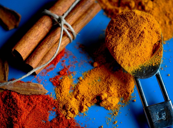 Curry spices 15 crop