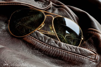 Leather jacket and Aviators detail 6