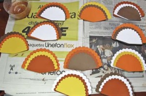 Turkey Place Cards - Organize the Tail Feathers