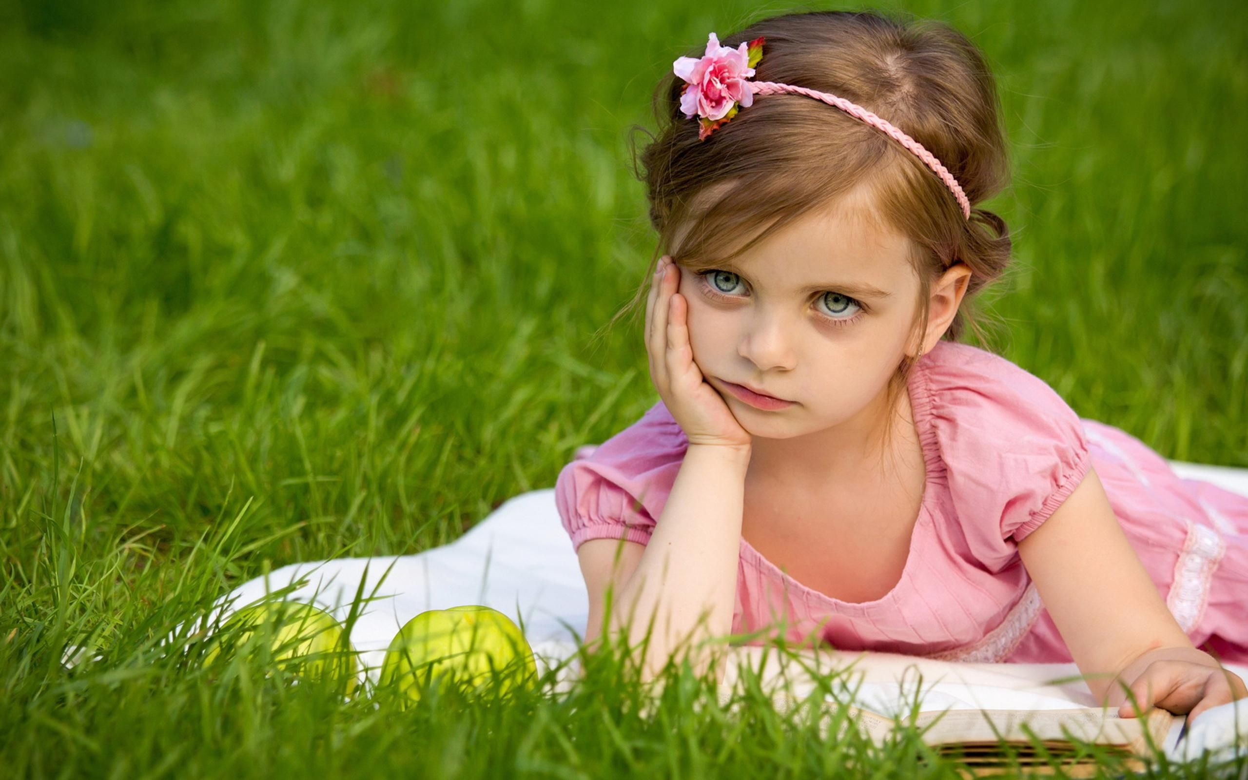 FunMozar – Cute Baby Girl Wallpapers For Mobile
