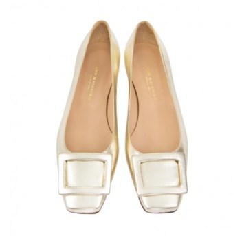 gold-shoes