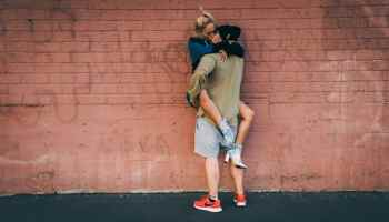 how to flirt with a gi