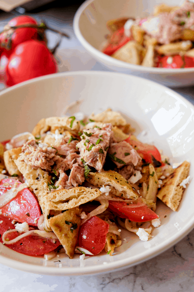 Shaved fennel salad with tomato, tuna and pita croutons