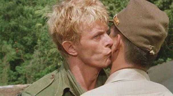 merry-christmas-mr-lawrence-1983-09