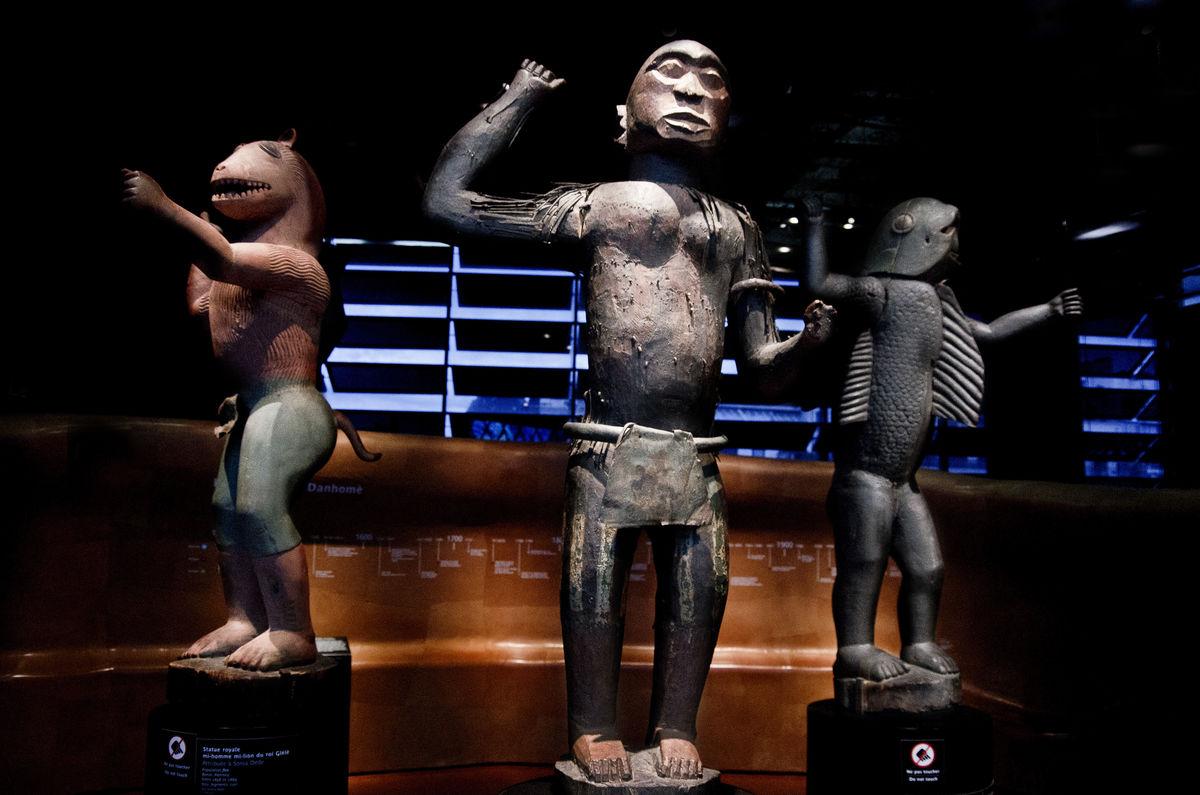 Statues from Benin at the Musée du Quai Branly. Photo by foto amateur, via Flickr.