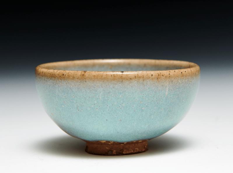 宋 鈞窯酒杯 高. 3 x口徑.6公分 藏品來源:Walter Bondy(1880-1940)舊藏,蘇富比巴黎,2018年6月12日拍出,編號156 山度士,倫敦