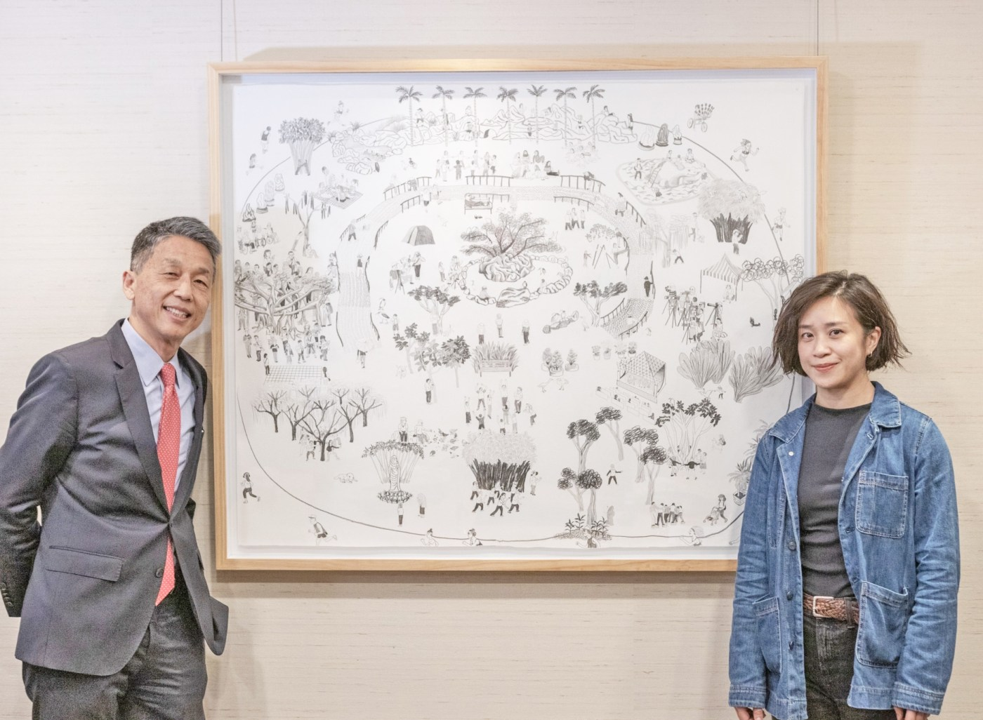 Dennis Chen, Group Managing Director and Head, UBS Taiwan, UBS Taiwan and artist Huang Hai-Hsin. Courtesy of UBS