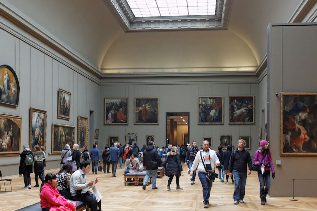 Visitors in the Spanish painting galleries at the Louvre. Photo by Coyau, via Wikimedia Commons..jpeg