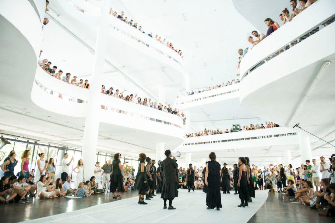 Performance by Neo Muyanga on February 8, 2020, as part of the 34th Bienal de São Paulo. Photo © Levi Fanan / Fundação Bienal de São Paulo.