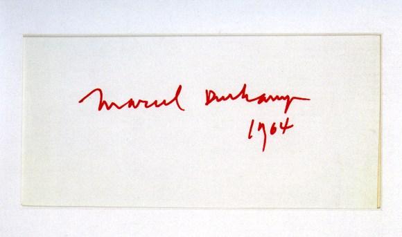 Марсель Дюшан в «Автопортрете-подписи», бумага, красные чернила, 36х44 см, 1964