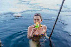 dievča v ľade, wim hof dýchanie, kurzy Viktora Schillera