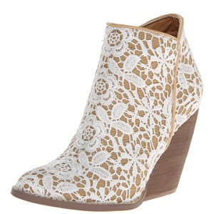very-volatile-tallulah-white-multi-womens-boot
