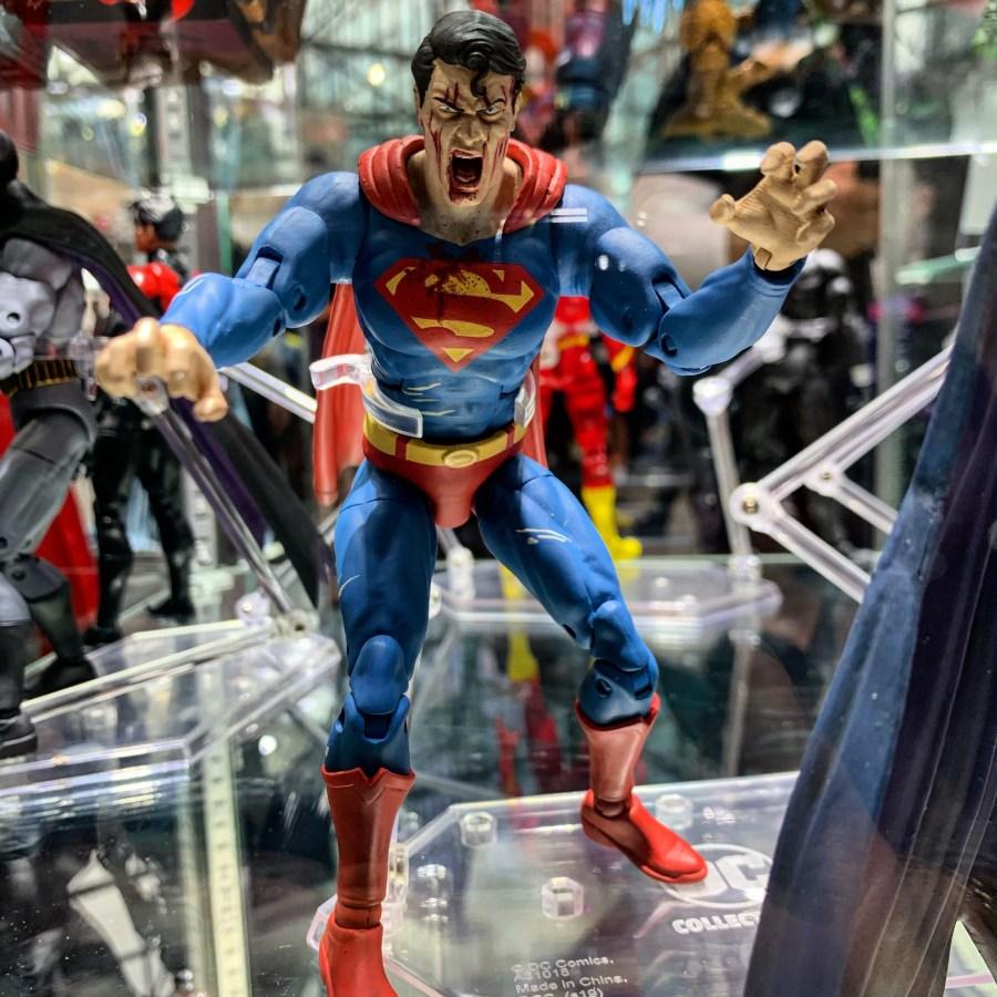 superman dceased action figure NYCC