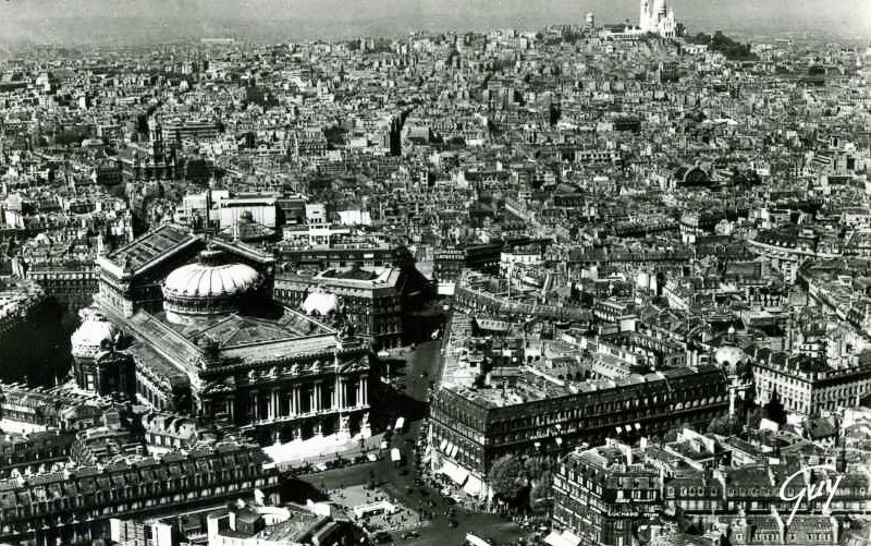 Palais Garnier, 8 Rue Scribe, 75009 Paris, France (1/2)