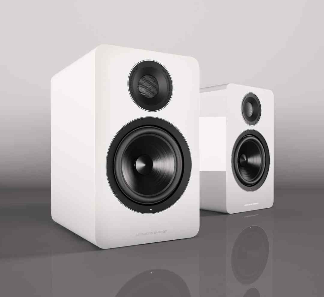 AE1 Active - White 2