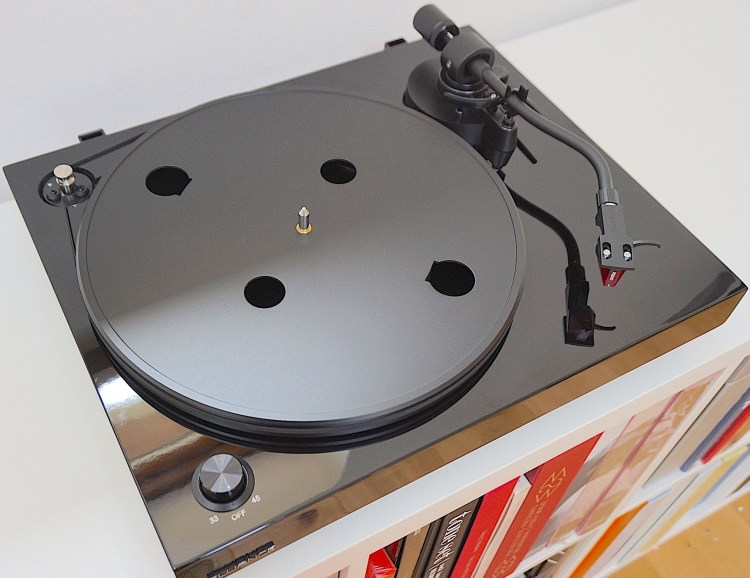 RT83 Turntable From Fluance