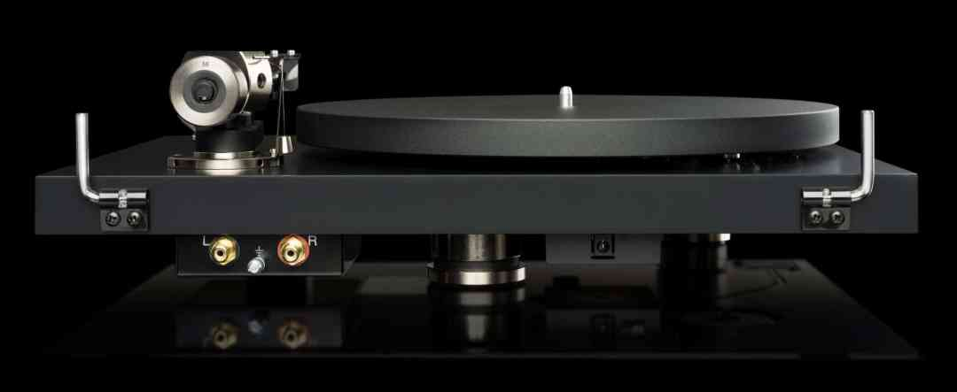 DEBUT PRO TURNTABLE FROM PRO-JECT