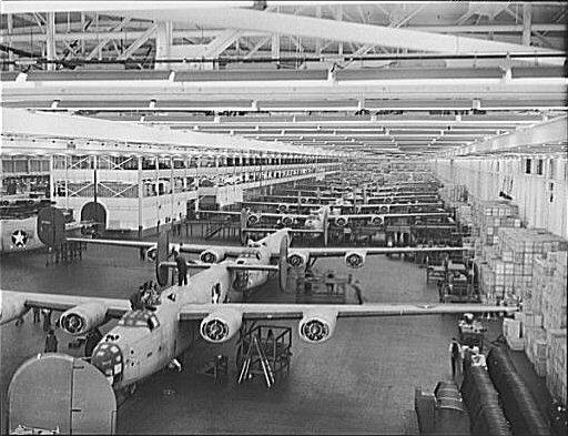 Сборка самолетов B-24 на заводе Уиллоу-Ран