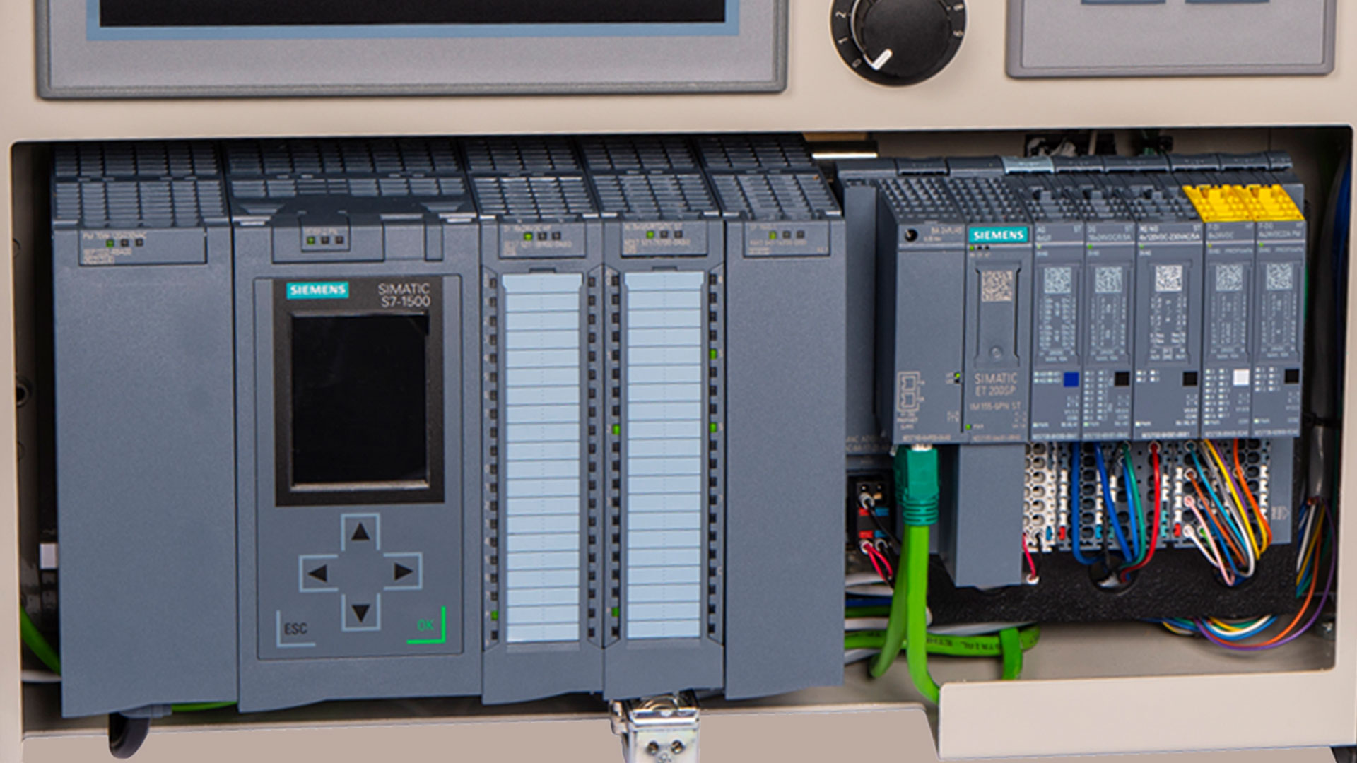 Creating your first Siemens S7-1500 Program (video) - The