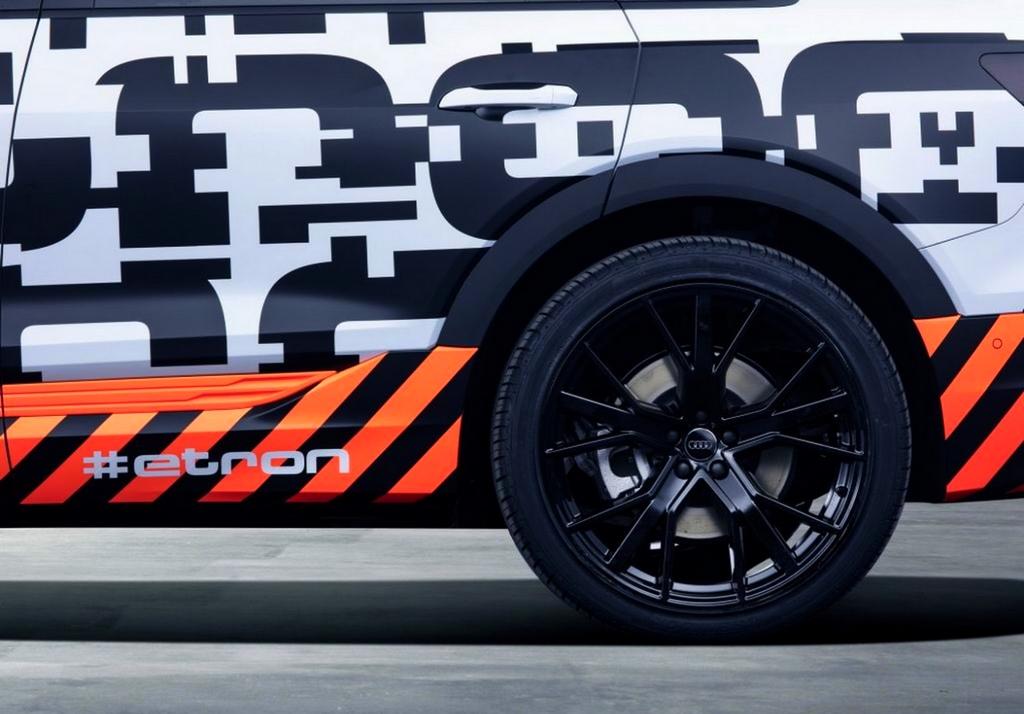 Un SUV électrique Audi dans les rues de Genève !