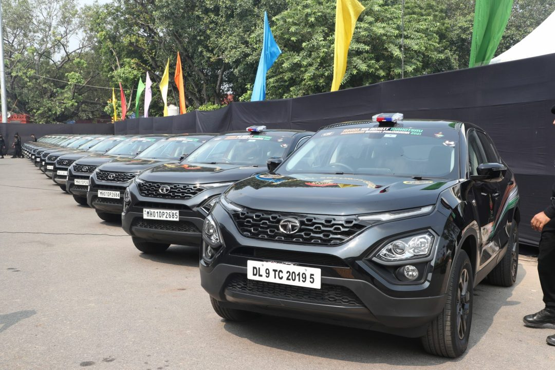 An elite group of NSG commandos today started the Historic Sudarshan Bharat Parikrama Rally in 15 Tata Harrier SUVs