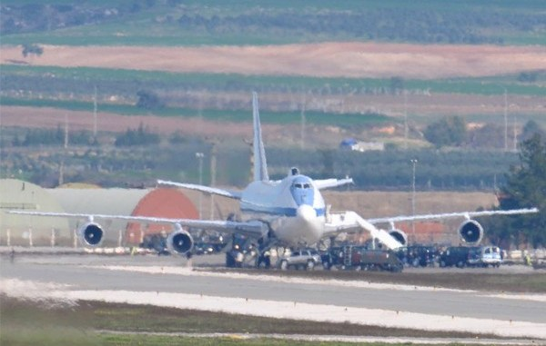 Photo Shows U S E 4b Doomsday Plane On The Ground At Incirlik