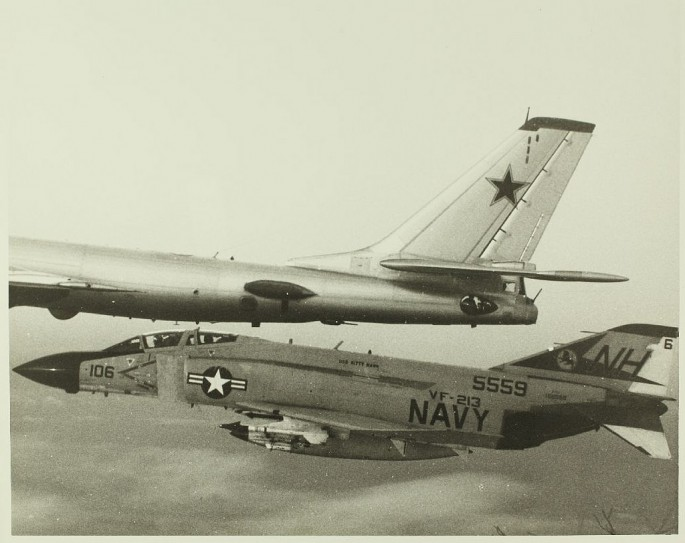 F-4 Tu-95 3