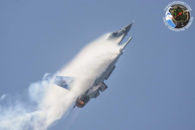 F-16 cloud