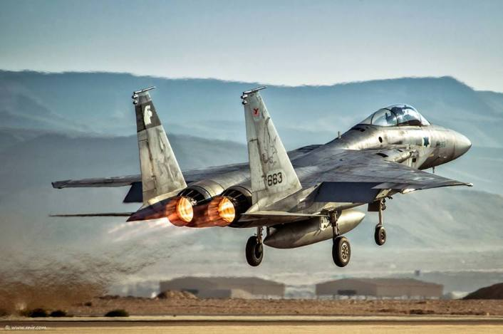 F-15 take off afterburner
