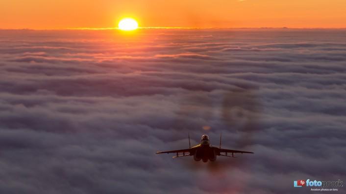 Mig-29 sunset