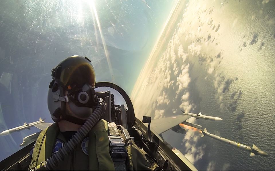 Watch this: fantastic footage of F-16 firing AIM-9X and AIM-120 missiles, downing drone