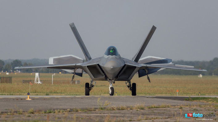 F-22s in Poland_07